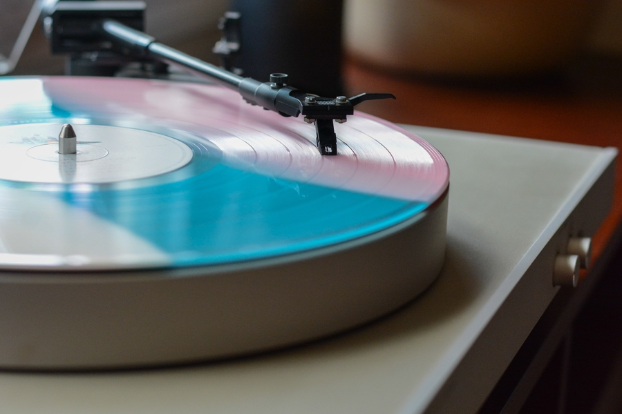 The Vinyl Revival: Bring Back Music the Way Your Remember It